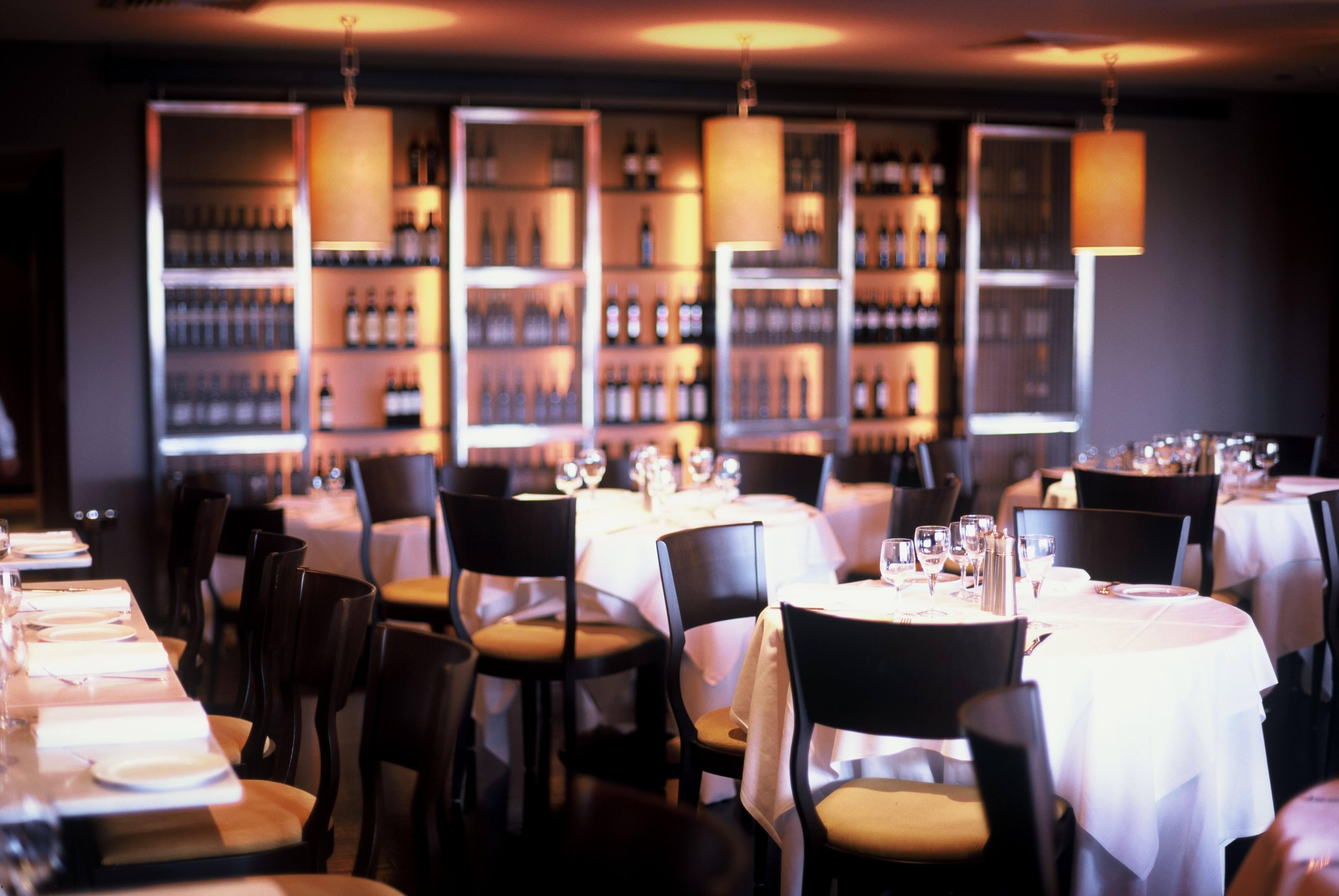 Sala da pranzo di ristorante